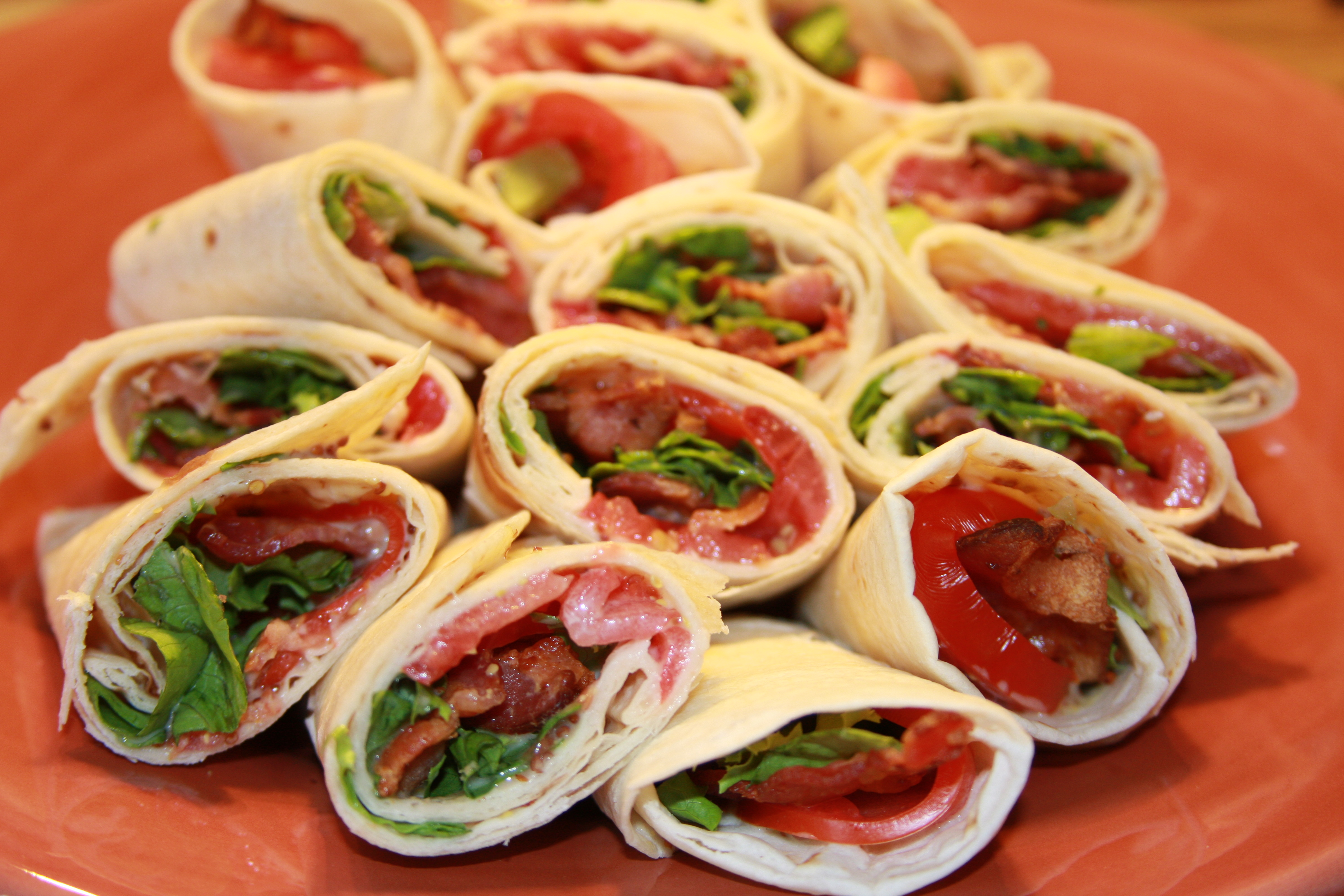 BLT Wraps with Honey Mustard Sauce | OhMyGoodyGoodness